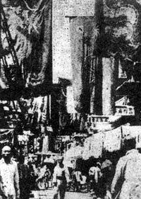 张勋北京街头挂起清朝龙旗
